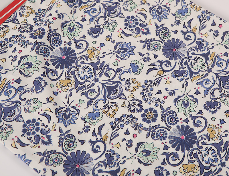 Custom color plain style floral pattern woven stock lots rayon printed fabric for garments